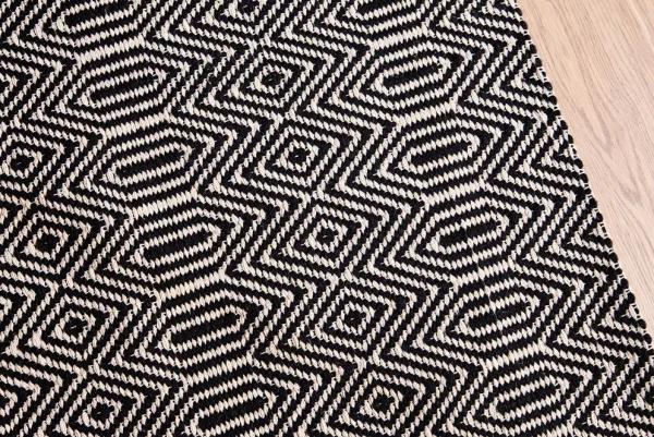 Bengal Medium Rug in Black